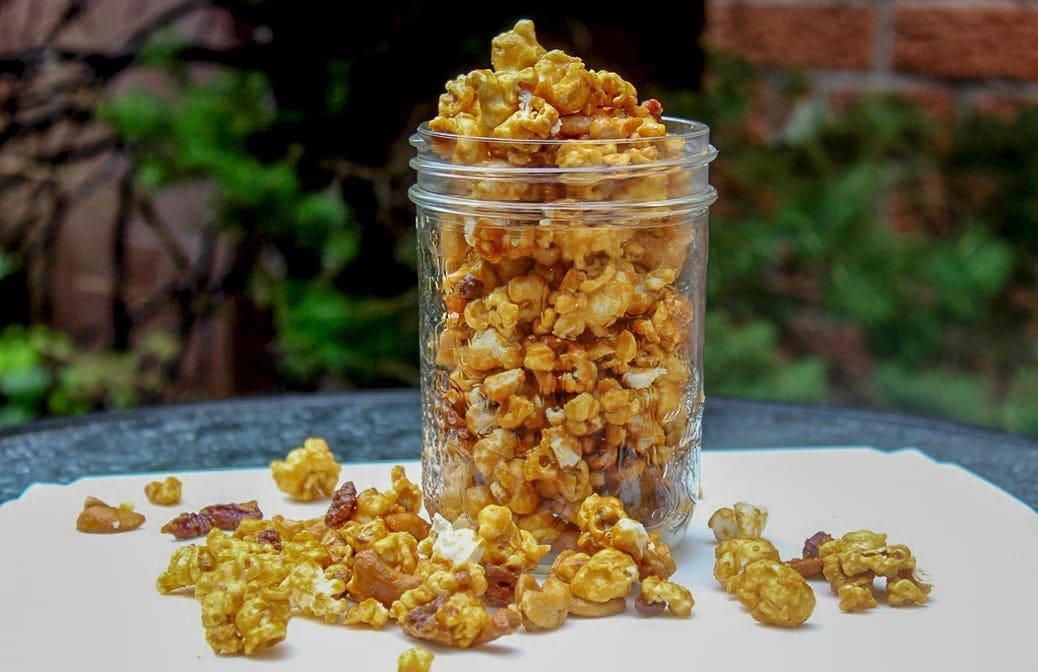 easy homemade caramel popcorn in a jar