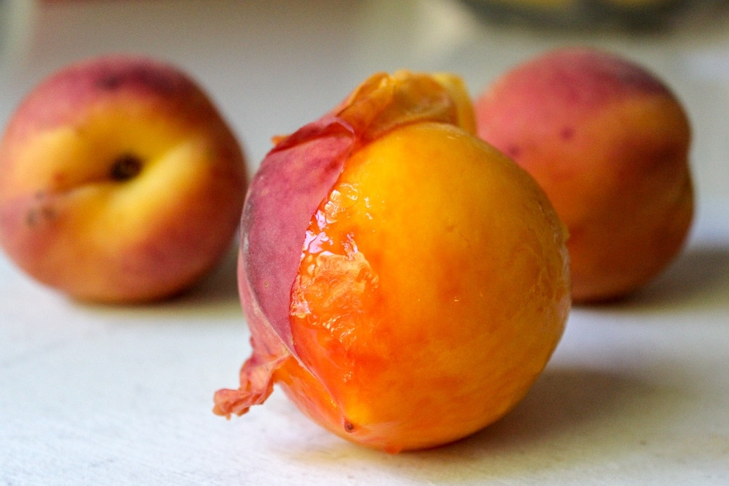 peeling peaches after dropping in boiling water for a minute