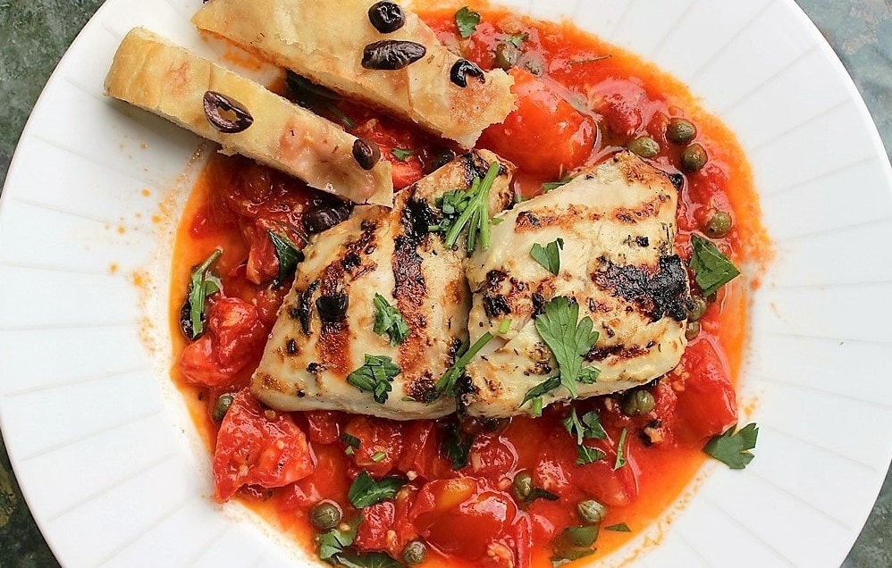 Fresh Tomato Sauce with Chicken