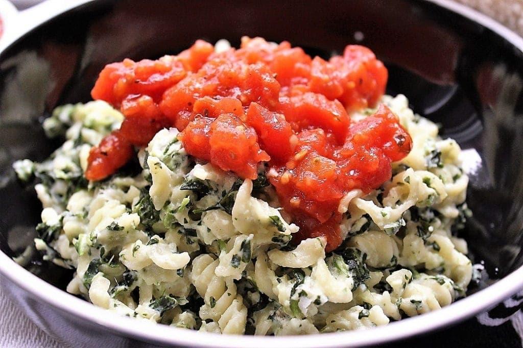 ricotta spinach pasta with tomato sauce