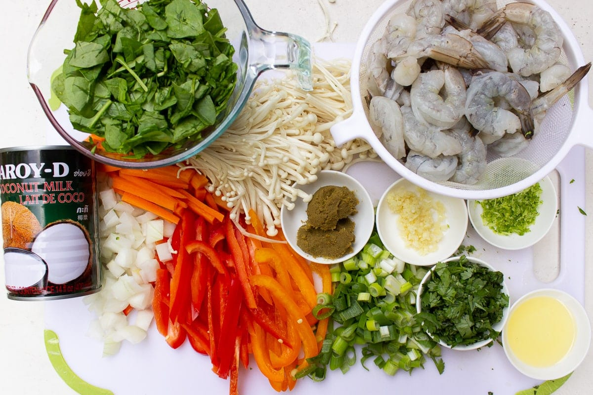 shrimp, garlic, green curry paste, veggies, cilantro, spinach, coconut milk, green onion