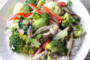 Kanokwan Curry Vegetables with shitake mushrooms, bok choy, broccoli and coconut milk