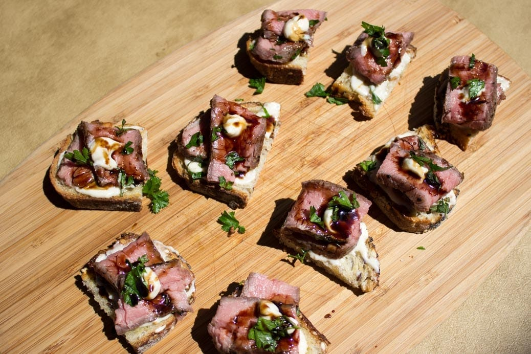 Sous Vide Beef Crostini with Horseradish Aioli