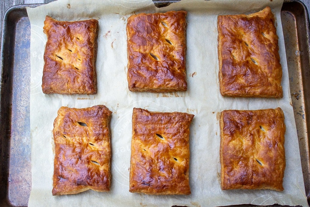 6 pieces baked puff pastry crusts