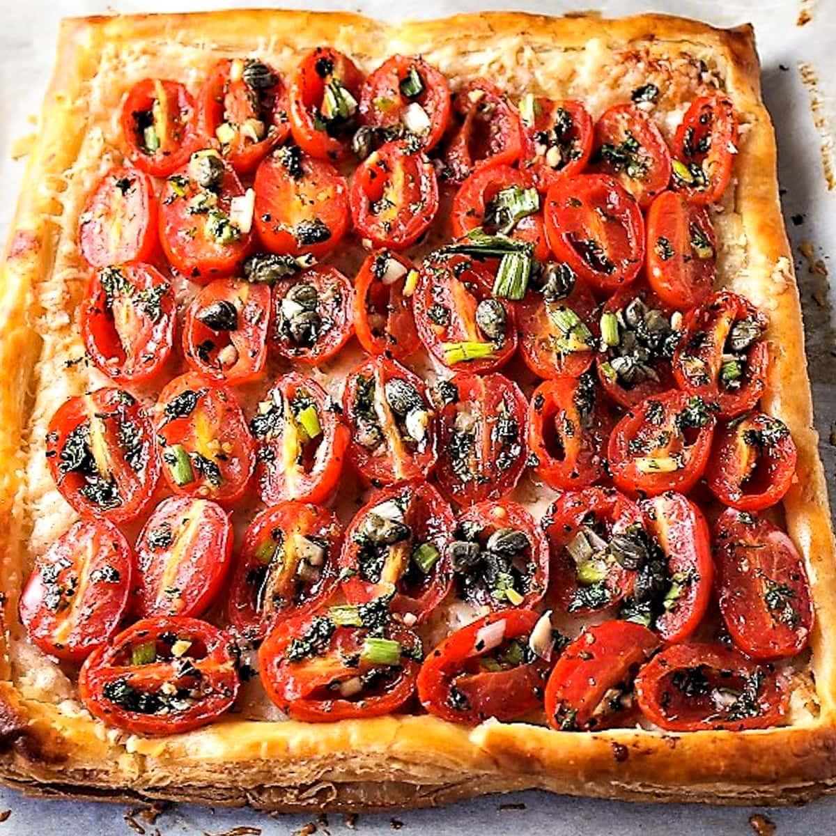 baked tomato tart with puff pastry