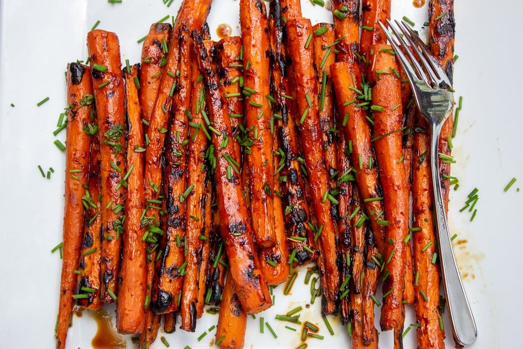 grilled carrots with balsamic glaze on plate2