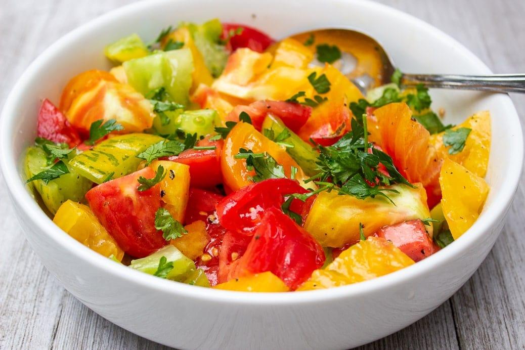 tomato salad in bowl1