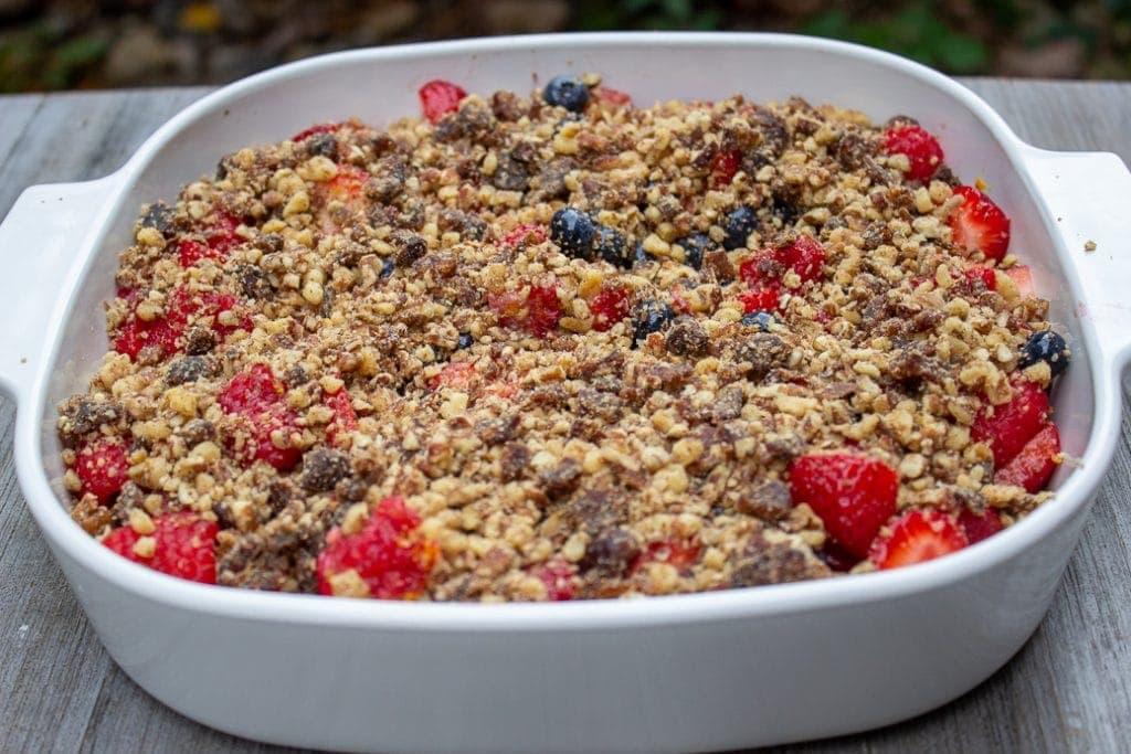 Berry Crumble no-bake in a serving dish 2