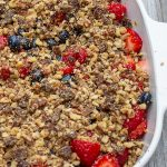 no-bake Berry Crumble in a pie dish p