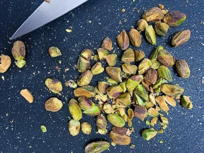 roasted chopped pistachio nuts