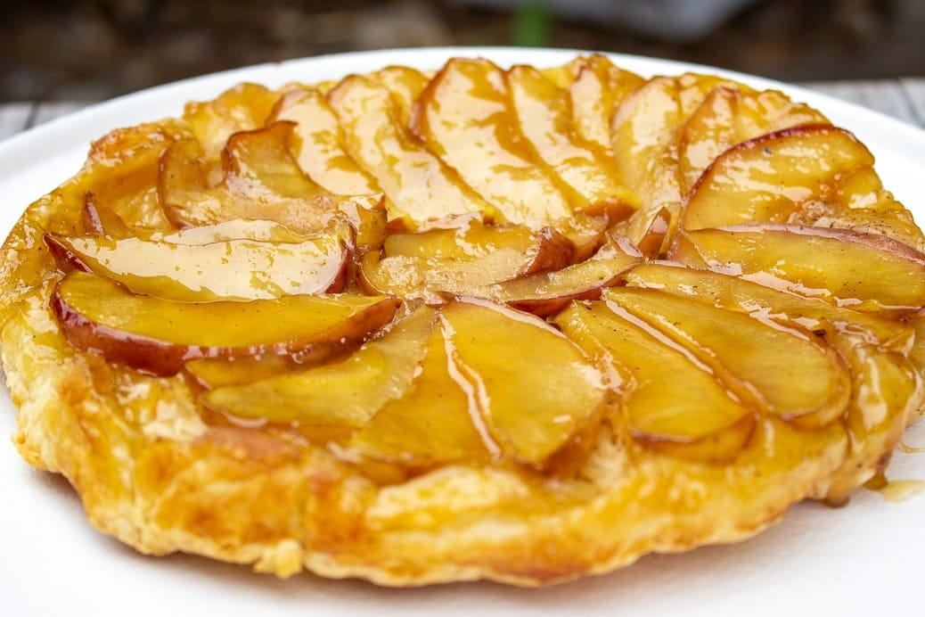 puff pastry apple tart side view 2