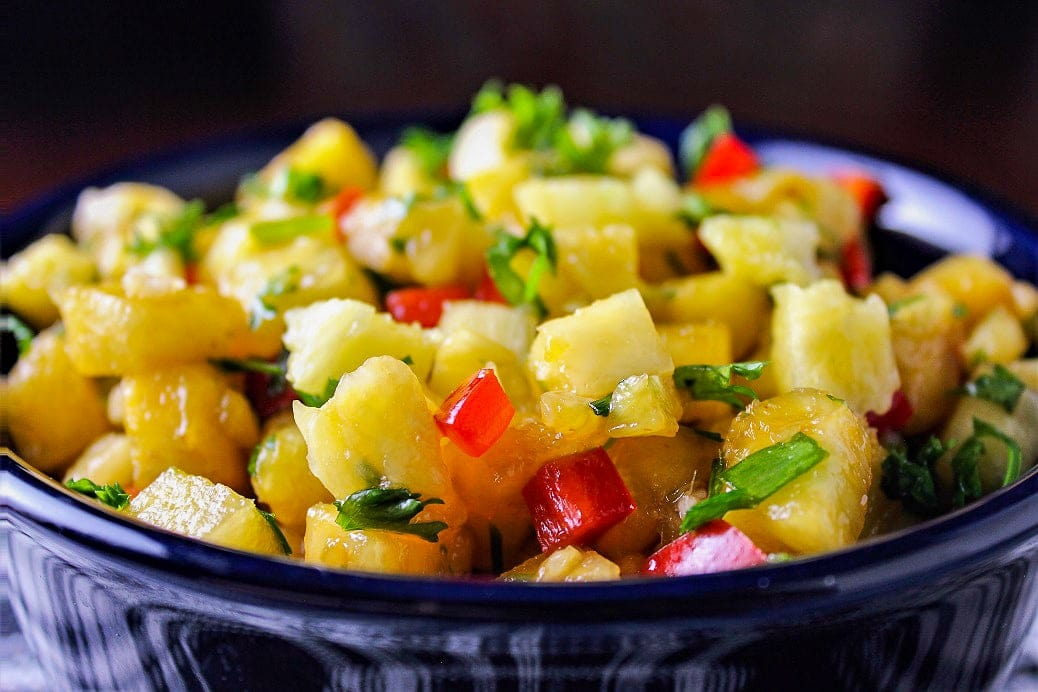 pineapple salsa in bowl