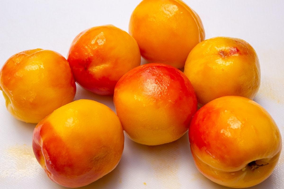 peaches peeled using blanching method